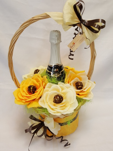 Champagne and chococlate roses Gift basket